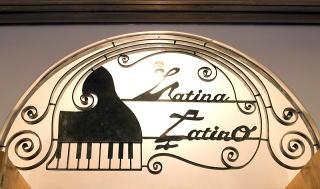 Latina Latino006